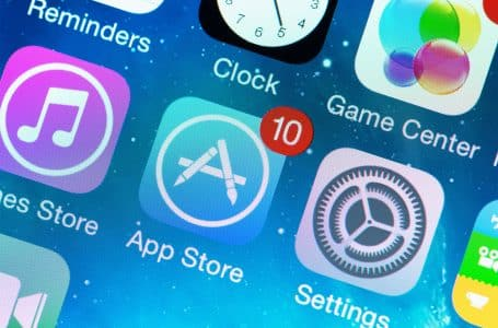 Apple and Google forced to remove Absher app that restricts freedom for women.