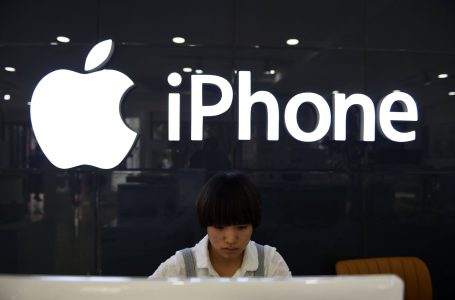 Apple is worried about its Stocks in China, not due to Slowdown but due to Apple's Business Model