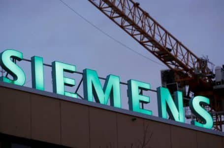 EU Rejects Rail Mergers of Siemens and Alstom