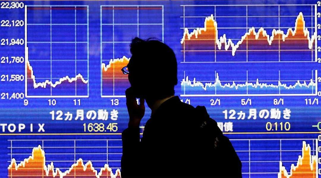 Asia Shares Rise, Dollar on a Three-Week Low